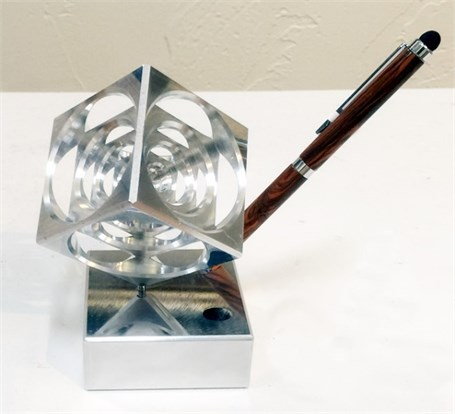 Penholder - Never Quit Cube