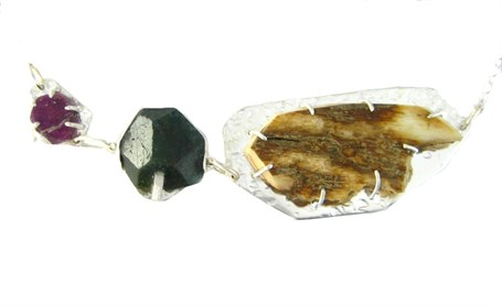 Necklace - Mammoth Ivory Green Quartz Ruby 3926